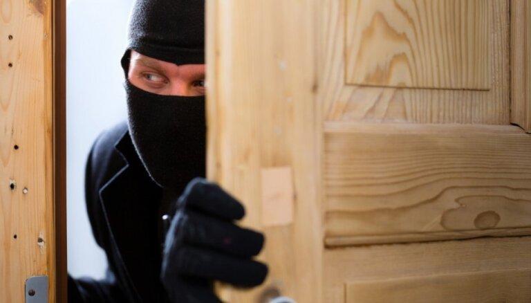 Svētki bez raizēm: kā pasargāt mājokli no garnadžiem