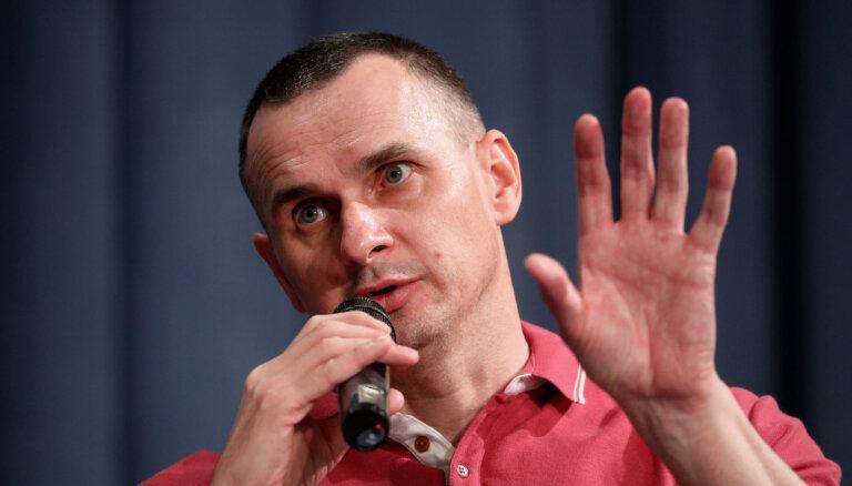 ВИДЕО: Олег Сенцов — о пытках, создании гражданской организации и Зеленском