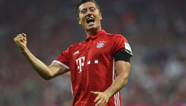 Levandovskis piekritis palikt 'Bayern' klubā