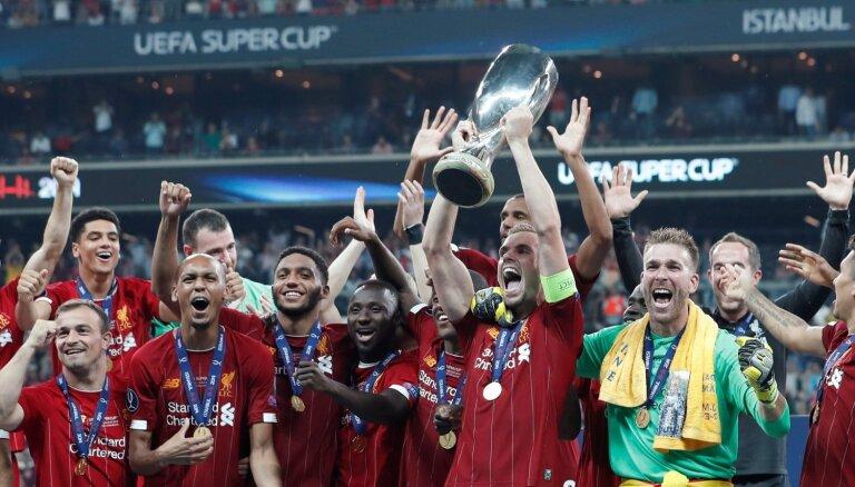 'Liverpool' pēcspēles sitienu sērijā izcīna UEFA Superkausu
