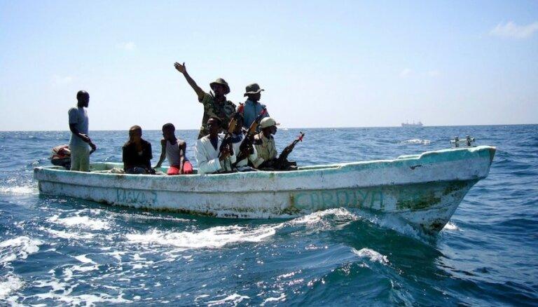 Pirāti izvirzījuši jaunas prasības lietuviešu un ukraiņu jūrnieku atbrīvošanai