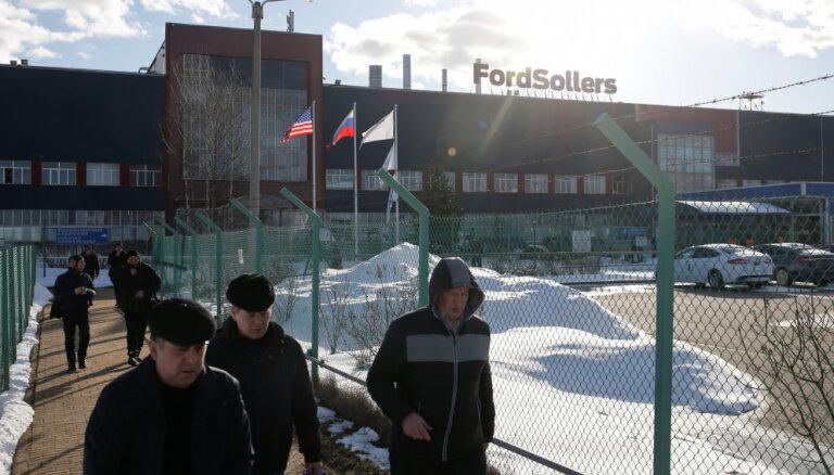 'Ford' Krievijā pārtrauks vieglo auto ražošanu un slēgs trīs rūpnīcas