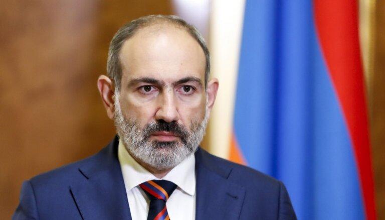 Armēnijas līderis lūdz Putinu sniegt militāro palīdzību