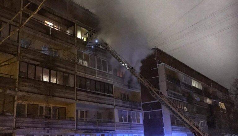 Ugunsgrēkā Rīgā trešdienas vakarā gājis bojā cilvēks