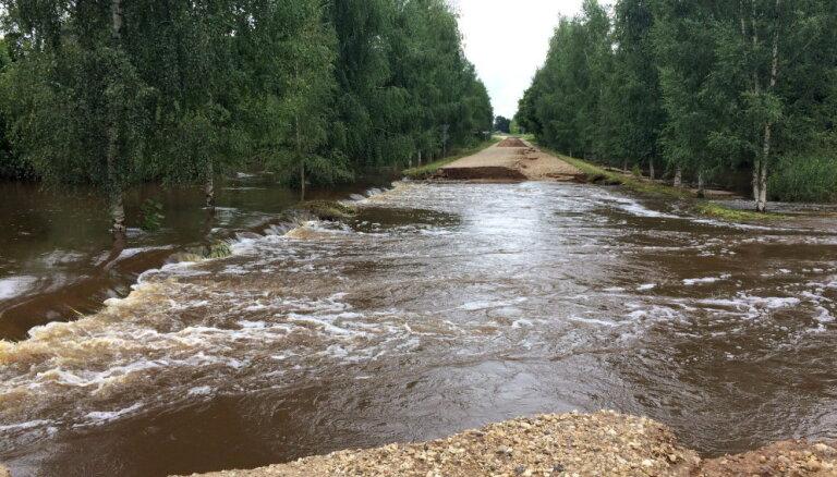 Lai mazinātu plūdu risku, turpina atjaunot hidrotehniskās būves visā Latvijā