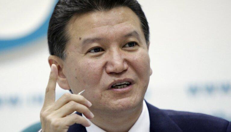 В ФИДЕ добиваются отставки Илюмжинова, но тот не уходит