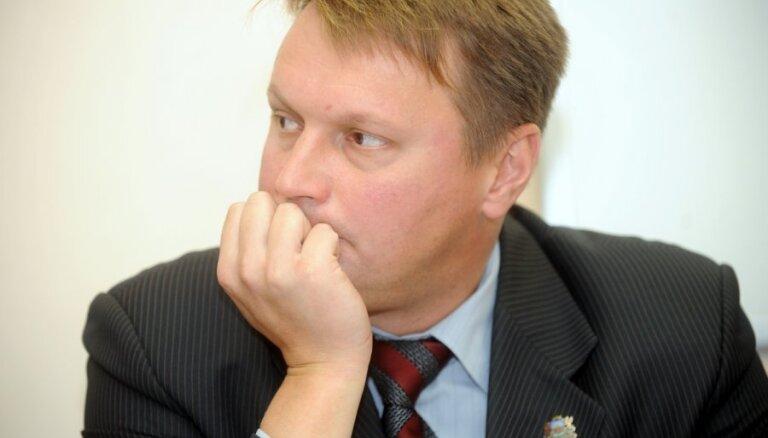 Agešins darbosies Nacionālās drošības komisijā