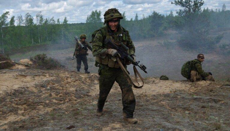 Norvēģijā sākas vērienīgi NATO manevri 'Trident Juncture'; nīderlandieši aizmirsuši par silto apģērbu