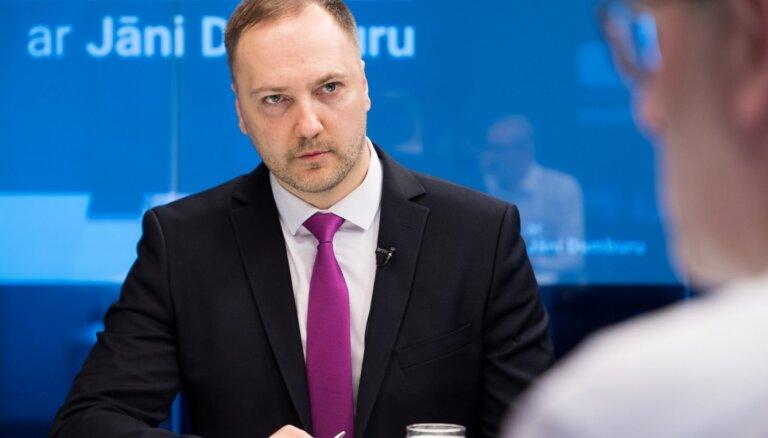 Глава МВД на DELFI TV: в Латвии внедрят систему цифрового контроля, но об авторитарном использовании речь не идет
