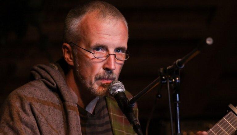 Kaspars Dimiters izdevis jaunu garīgo dziesmu albumu