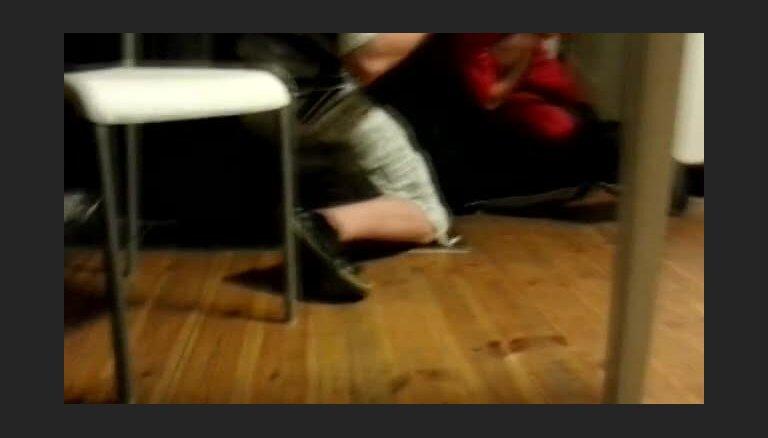 Video: Sadzīvisks Norvēģijas latviešu strīds, pielietojot nazi
