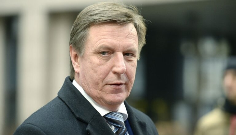 Премьер-министр: жители Латвии не пострадают от ликвидации Trasta komercbanka