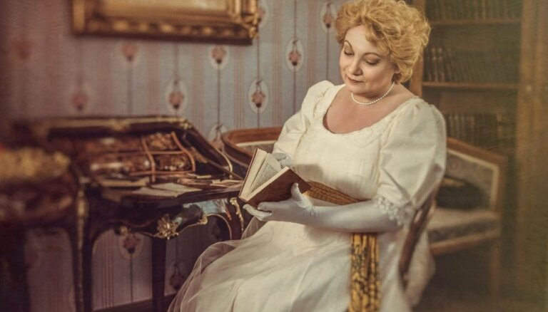 'Smiļģa kabinetā' notiks saruna ar Gada aktrisi Indru Briķi