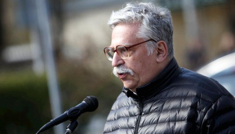 Задержали на пять минут дольше. Активист Гильман отсудил у Госполиции 600 евро