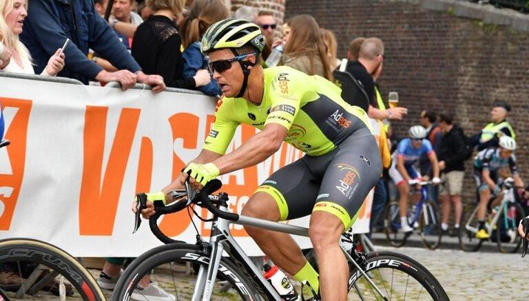 Liepiņam desmitā vieta smagās viendienas sacensībās Beļģijā; Neilands starp pēdējiem 'Giro d'Italia' posmā