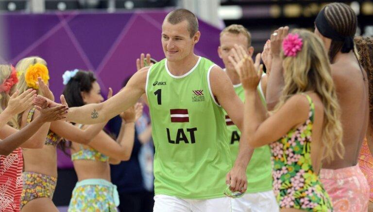 Pļaviņš/Šmēdiņš turpina, džudists Borodavko un šāvējs Kuzmins sāk olimpiskās spēles