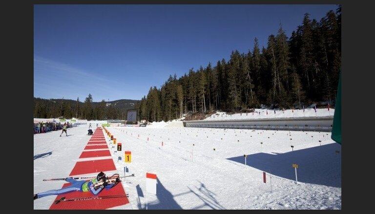 Latvijas biatlonisti PČ sprinta distancē netiek labāko 60 vidū un nekvalificējas iedzīšanas distancei