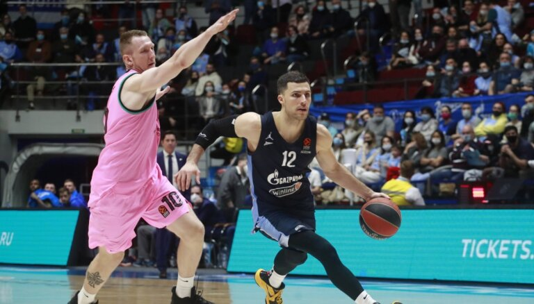 Šmits gūst sešus punktus; 'Barcelona' un 'Zeņit' duelī nepieciešama piektā spēle