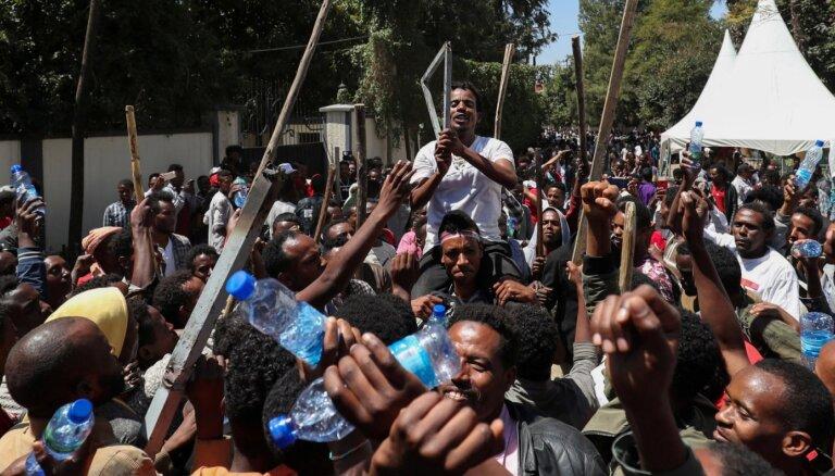 Protestos pret Etiopijas premjeru nobelistu 67 bojāgājušie
