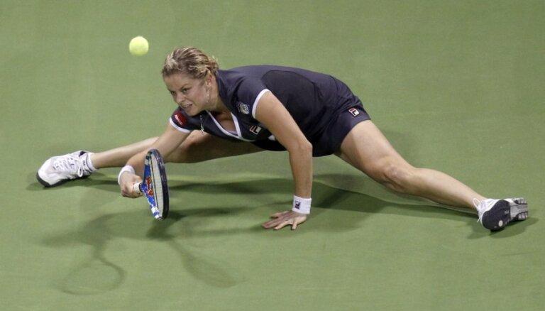 Favorītes iekļūst 'Australian Open' ceturtdaļfinālā