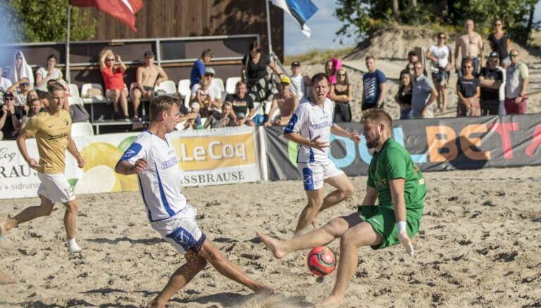 Latvijas-Igaunijas pludmales futbola līgā čempionu godu nodrošina 'Augur Enemat'