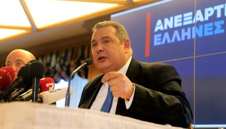 Grieķijas aizsardzības ministrs paziņo par atkāpšanos saistībā ar Maķedonijas jautājumu