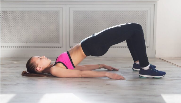 Palīdzība gardēžiem: piecas jogas pozas gremošanas stimulēšanai
