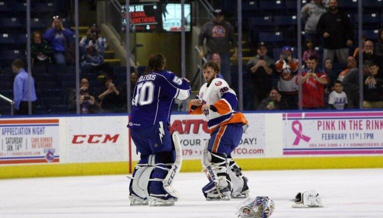 Video: Gudļevskis izkaujas AHL spēlē ar pretinieku vārtsargu