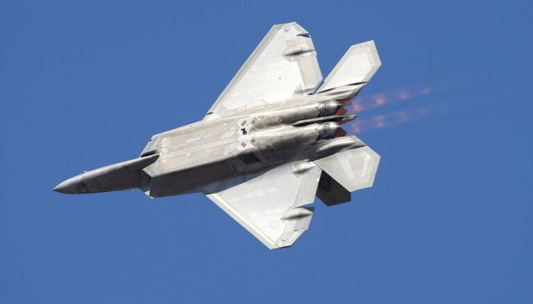 ASV uz Kataru nosūtījusi iznīcinātājus F-22