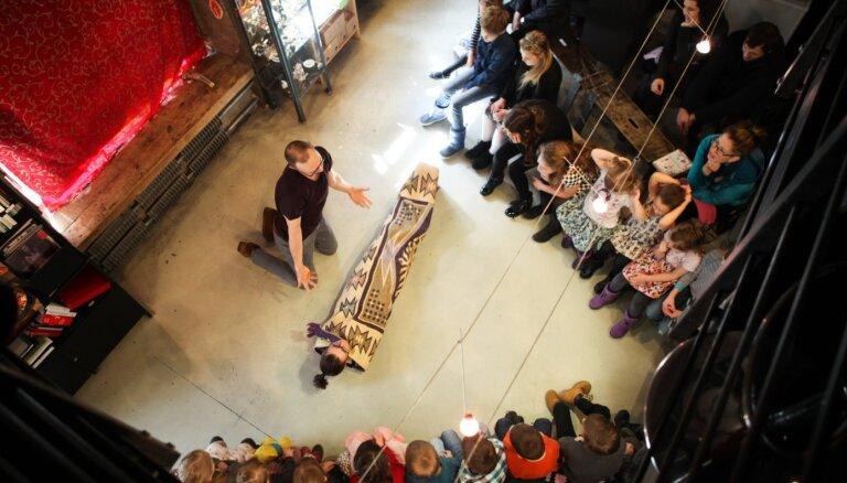 Izrāde 'Kaka un pavasaris' atkal priecēs bērnus 'Liepājas Mākslas forumā'