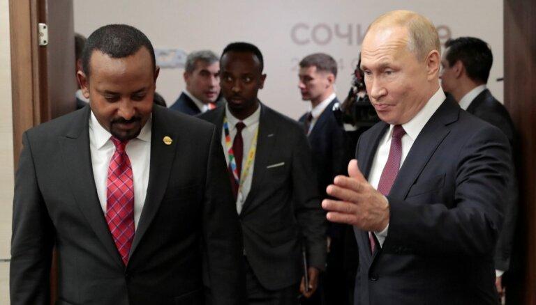 Putins Sočos uzņem Āfrikas valstu līderus