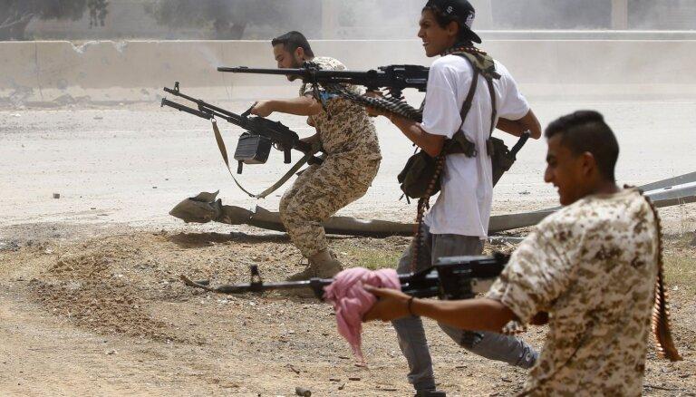 Lībijas valdības spēki atguvuši kontroli pār stratēģiski svarīgu pilsētu