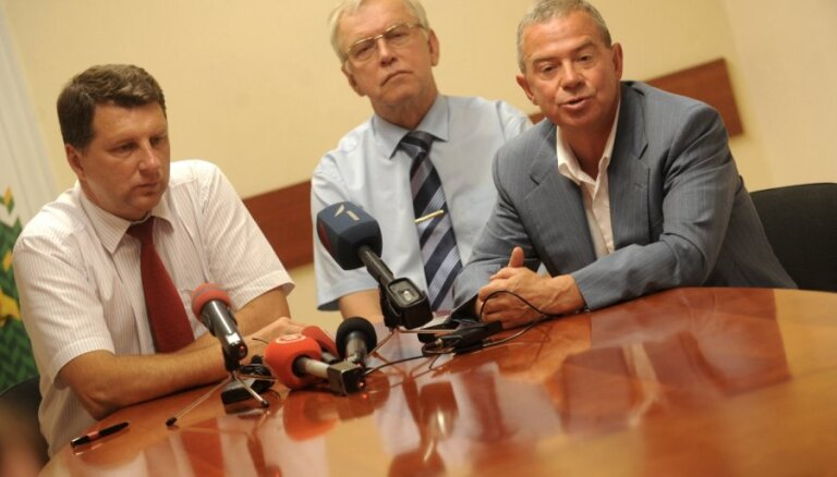 Опрос: жители не в восторге от возвращения СЗК в коалицию