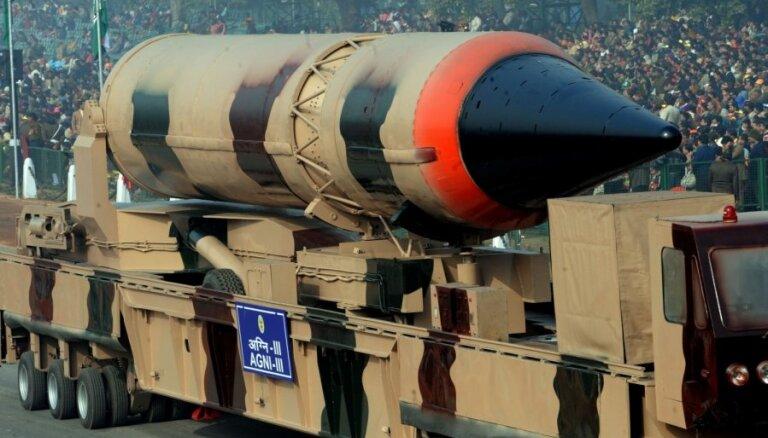 Indija varētu atteikties no apņemšanās pirmā neizmantot kodolieročus, pauž ministrs