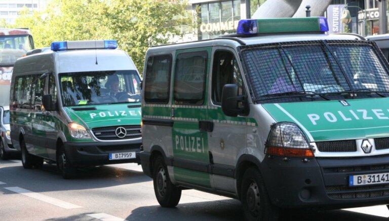 Vācijā atbrīvots uzbrucēja par ķīlnieku saņemts bankas darbinieks