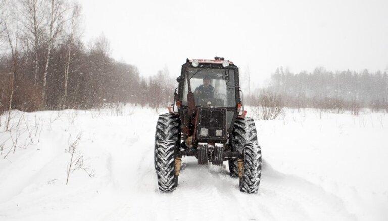 Saimniecībām zemes pirkšanai piešķir 3,1 miljonu latu