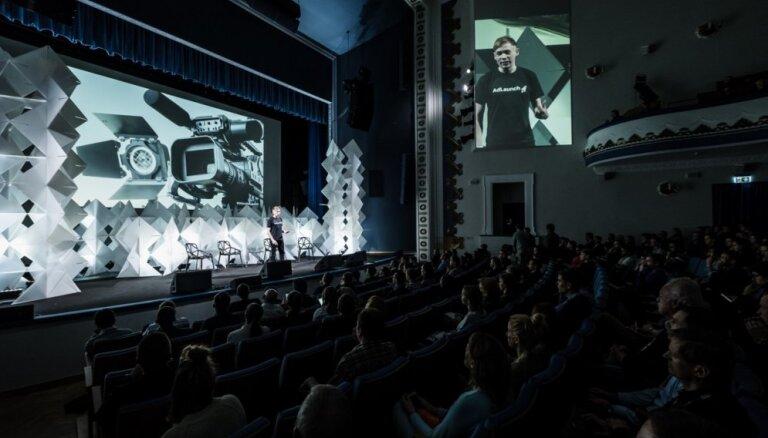 'TechChill' publicējis divu dienu skatuves programmu ar 70 runātājiem