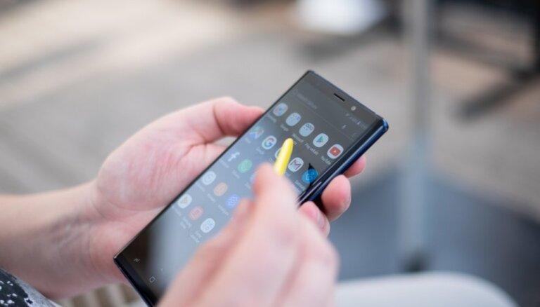 'Samsung' prezentējis savu jauno viedtālruņu flagmani 'Galaxy Note 9'