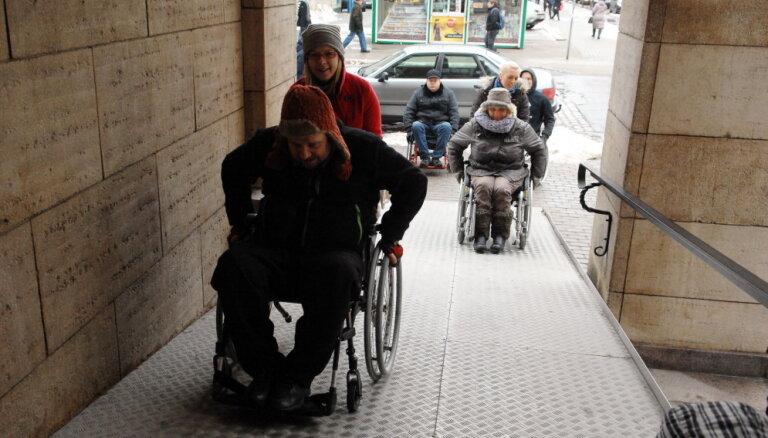 Tolerances un izpratnes trūkums – vien daži šķēršļi invalīdu integrācijai sabiedrībā