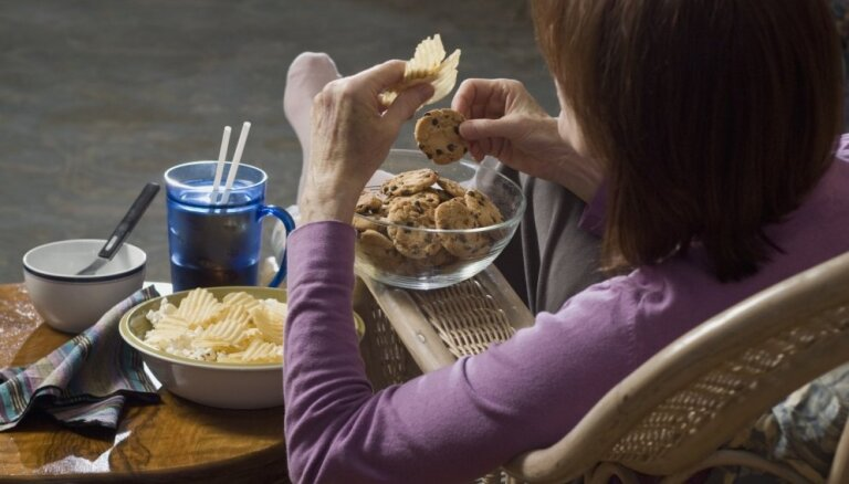 Еще один кусочек: как перестать переедать и что делать, если привычка превратилась в болезнь