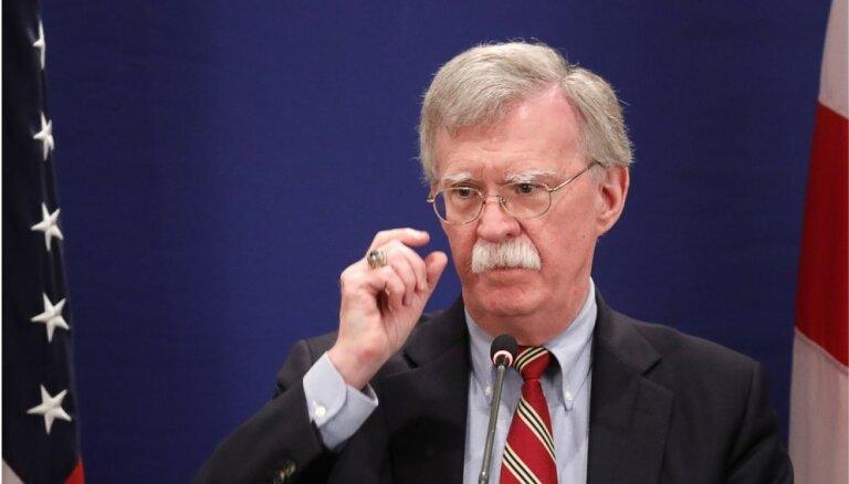 Болтон посоветовал Мадуро как можно скорее покинуть Венесуэлу