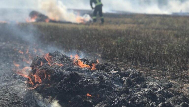 Brīvdienās VUGD dzēsis vairākus ar labības novākšanu saistītus ugunsgrēkus