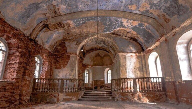 Травой поросло: 12 заброшенных мест в Латвии, о которых скоро все забудут