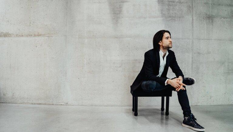 Pianista Georgija Osokina un LNSO koncertu diriģēs izcilais Lio Kuokmans