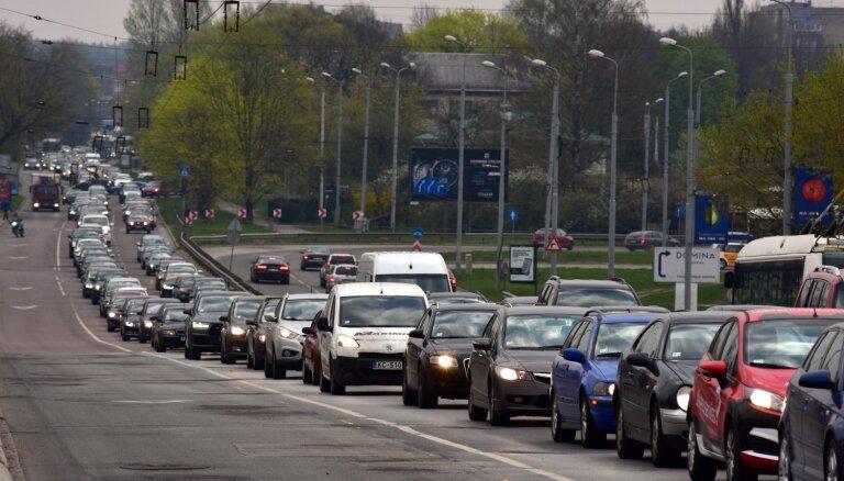 Очереди в больницах и отток клиентов — LTV о последствиях транспортного коллапса в Риге
