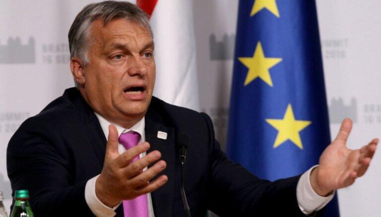 Премьер Венгрии предложил создать в Ливии город для беженцев