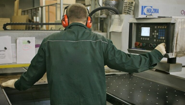 Faktiskā bezdarba līmenis jūnijā nedaudz sarucis un bija 7,8 %