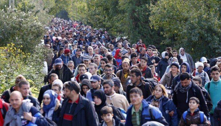 """Австрийский канцлер допустил """"тихий распад"""" Евросоюза из-за мигрантов"""