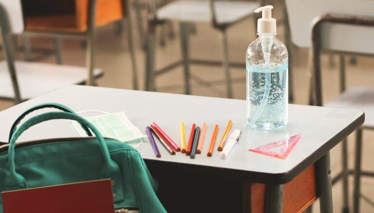 Rīgas skolās karantīna noteikta kopumā deviņām klasēm un vairākiem pedagogiem