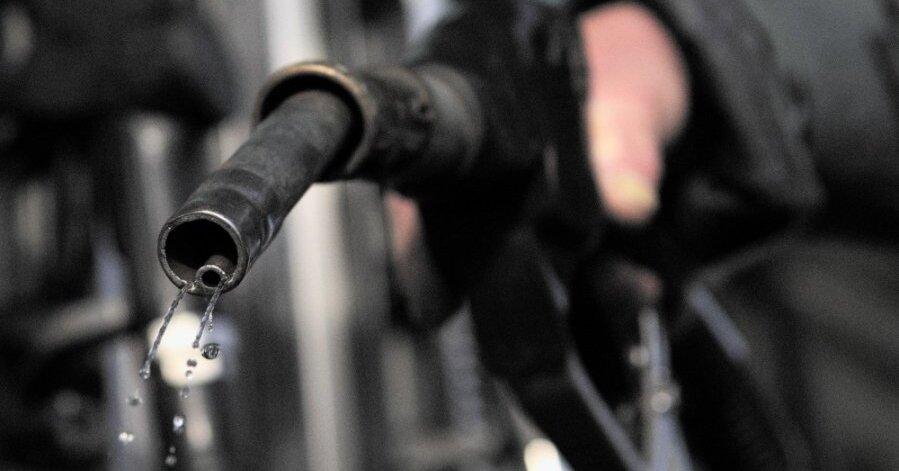 В столицах стран Балтии падают цены на дизельное топливо. Где дешевле?